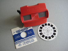Viewmaster viewer with slide reel